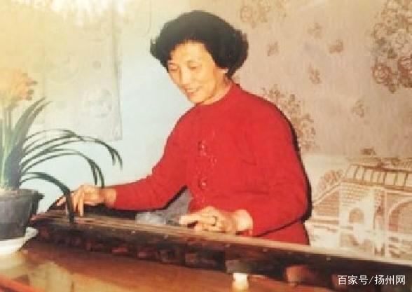 活到老学到老还有三样没学到 八旬老太古筝十级后还想学古琴