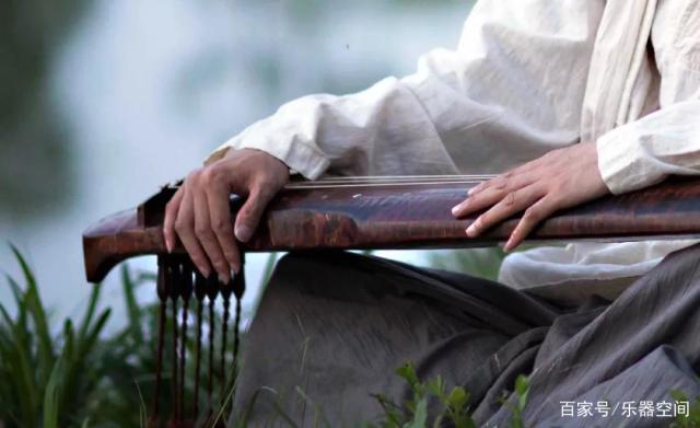 泠然琴音品古韵,享半日之清凉——广陵古琴名家田泉公益讲座
